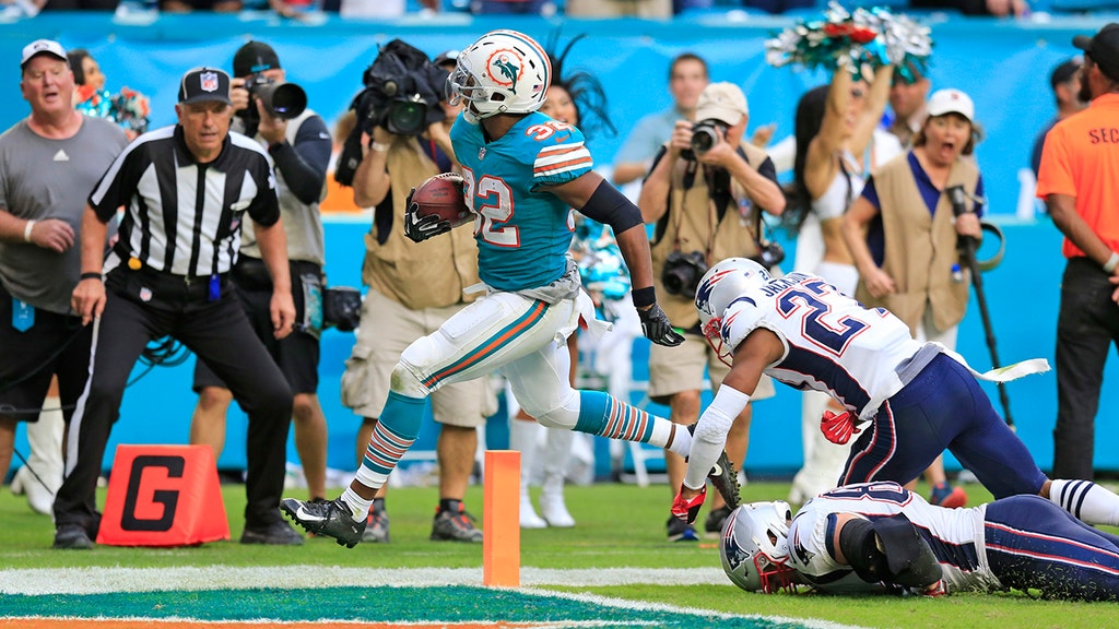 VIDEO: Dolphins stun Patriots with touchdown on final play