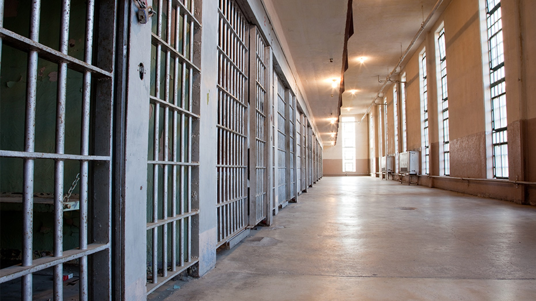 Oregon inmate's flu-related death leads to $7.5M lawsuit