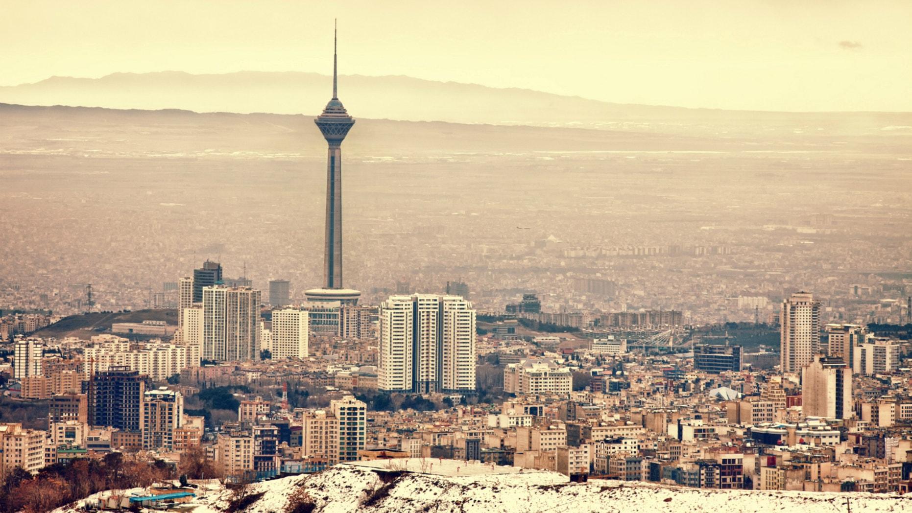 טהרן שוקעת ותעלם בתוך כמה שנים בגלל מחסור חמור במים  Tehran-sinking