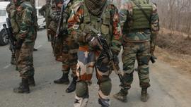 Thousands flock to funeral of 2 teenage Kashmir rebels