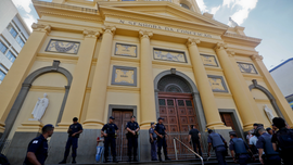 Memorial for cathedral victims, death toll rises to 5