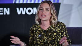Piper Perabo was ready to get arrested protesting Kavanaugh, had 'bail money in cash' and 'driver's license'