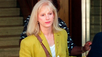 Sondra Locke, frequent co-star in Clint Eastwood films, dead at 74