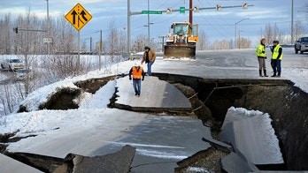 Alaska's earthquake-damaged road repaired, reopened just days later