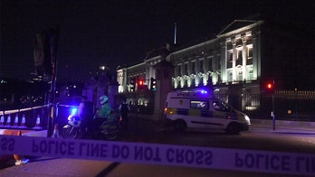 Terror suspect who attacked Buckingham Palace cops left note saying Queen Elizabeth would 'be in hellfire'