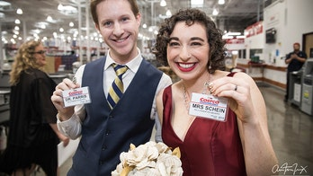 Couple gets married at California Costco