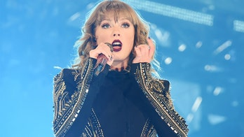 Taylor Swift fans call for Grammys boycott, say pop star was wrongly shut out of award show