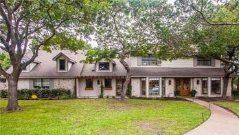 'Fixer Upper' home nicknamed 'The Prickly Pear House' hits market at $499G