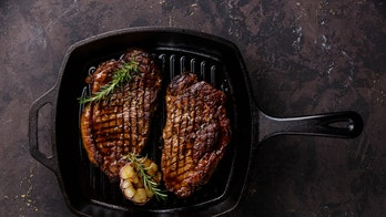 4 foods to never cook in a cast iron pan