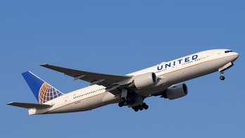 United Airlines releases cookbook to raise money for charity, prove airline food can be enjoyable