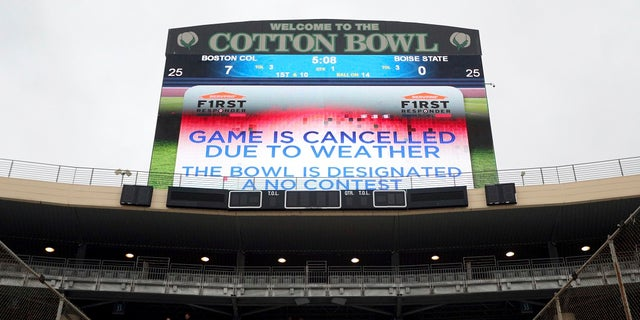The First Responder Bowl between Boston College and Boise State was canceled due to weather and was designated a no contest after multiple lighting delays Wednesday, Dec. 26, 2018, in Dallas. (Associated Press)