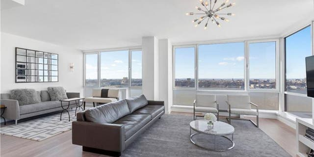 The luxury apartment(s) boasts Hudson River views but no outdoor space. (Daniel Neiditch President of River 2 River Realty)