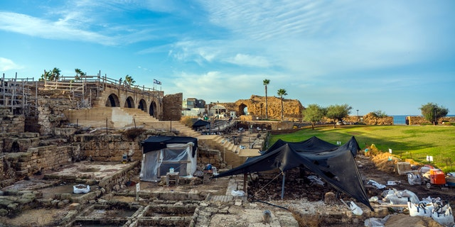 Caesarea Maritima, ubiquitous perspective of a archaeological excavations (Photo: Yaakov Shimdov, Israel Antiquities Authority).