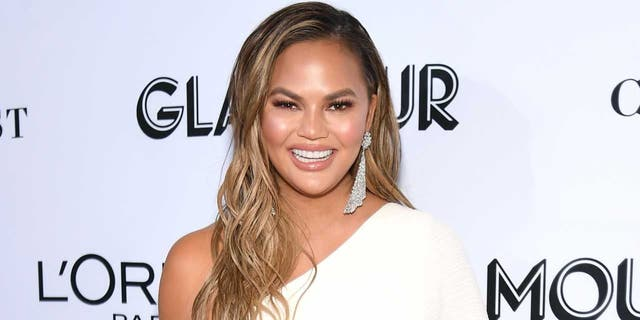 Chrissy Teigen asks President Biden to unfollow her on Twitter: 'It's not you it's me!'.jpg