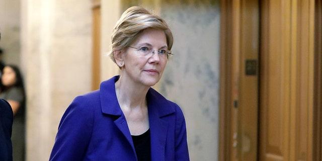 U.S. Senator Elizabeth Warren (D-MA) arrives for a procedural vote on the confirmation of U.S. Supreme Court nominee Brett Kavanaugh on Capitol Hill in Washington, U.S., October 5, 2018.
