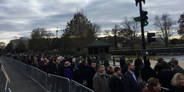 Long lines of visitors waiting to pay their respects to former President George H.W. Bush. (Peter Doocy/Fox News).