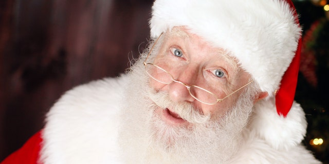 The Washington Post published a story this week questioning whether or not children should sit on Santa Claus' lap amid the #MeToo movement.