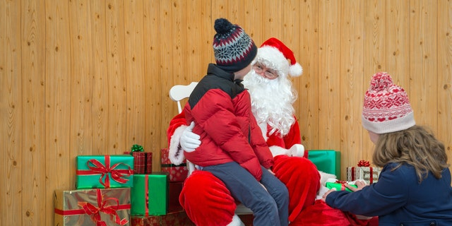 But even the smaller paychecks for mall Santas average higher than the hourly take for most other seasonal jobs. GOBankingRates reports that the average hourly rate for seasonal jobs is just $10, with Santa earning more than the norm.