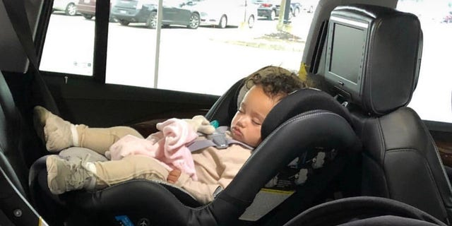 Khloé Kardashian shared a photo of cousins True and Chicago sleeping in their car seats on Thursday.