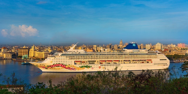 The couple seems to be out of luck as Norwegian Cruise Line made several notes on the departure time prior to the cruise.