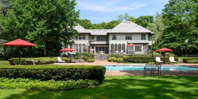 The 2-acre spread, at 5 Pin Oak Court in Glen Head, is available for $2.89 million.