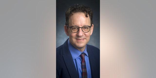 Dr. Stefan Kertesz