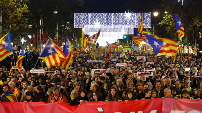 Spanish PM: Consensus only way to resolve Catalonia crisis