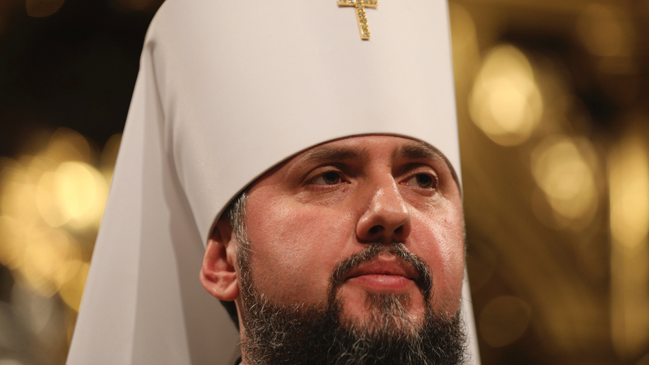 Ukrainians await historic synod decision on independent church