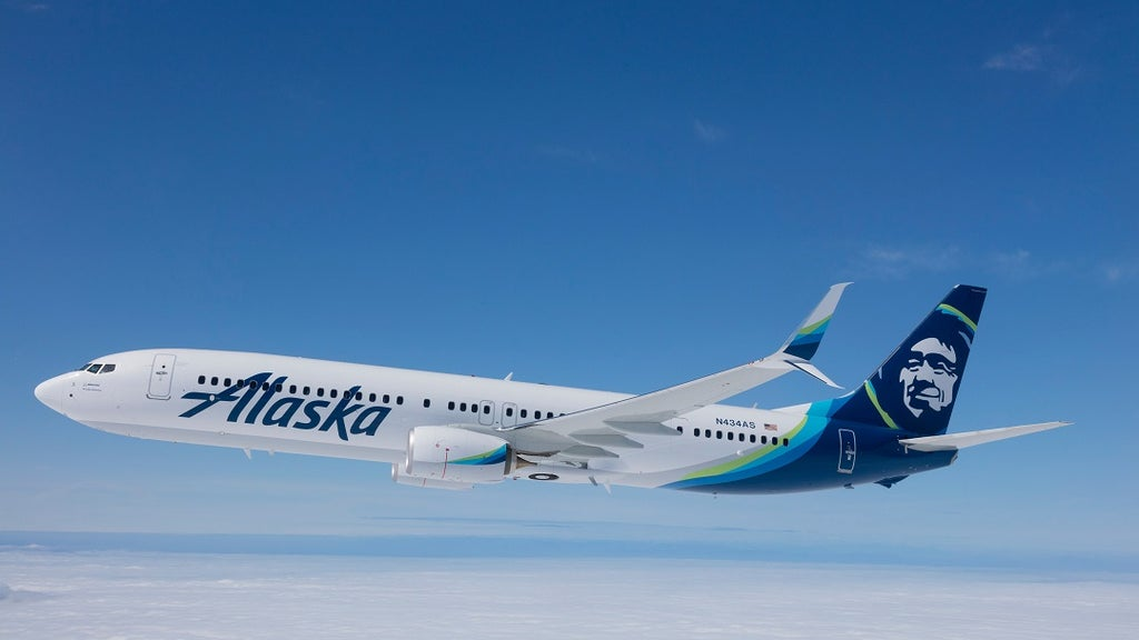 Alaska Airlines responds to nightmare 30-hour flight ordeal from Boston to LA
