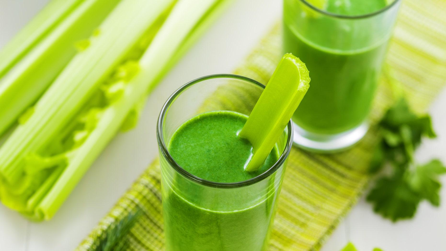 Experts weigh in on celery juice diet craze