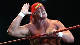 Hulk Hogan warns WWE Universe he and Jamie Foxx are coming for tag-team titles