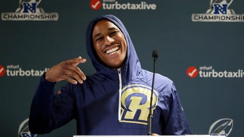 Los Angeles Rams' Marcus Peters gives hilarious weather report on Hawaii TV station