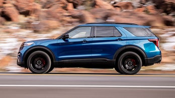 Green and mean: Ford Explorer Hybrid and ST debut