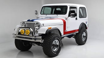 Gary Sinise raised $1.3 million for veterans and first responders with an old Jeep