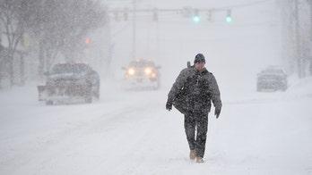 Major Northeast snowstorm hits; leads to Pennsylvania, NYC car pileups, 2 deaths