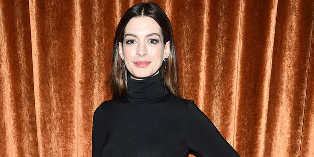 Anne Hathaway revealed that director Christopher Nolan doesn't allow people to sit on his sets.