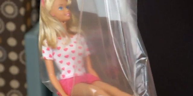 The doll, a Sweetheard Barbie, was manufactured in 1994.