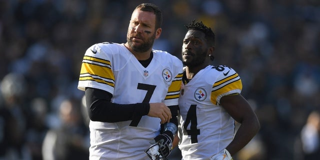 Pittsburgh Steelers star receiver Antonio Brown [right] was benched last week following a heated dispute with quarterback Ben Roethlisberger [left] during practice, a report stated.