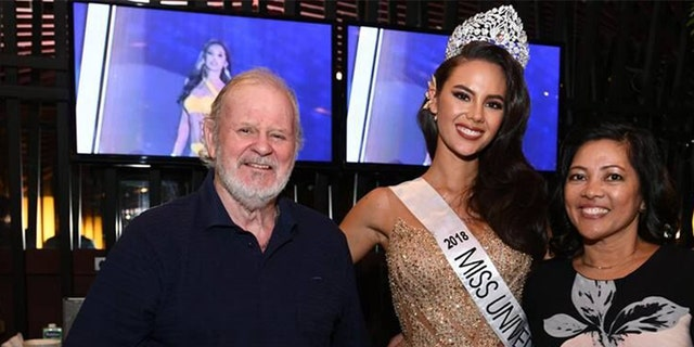 Catriona Gray with her parents. — Courtesy of Miss Universe