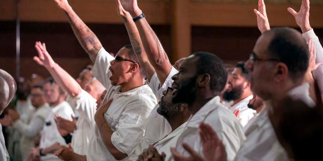 Coffield prison inmates worship at the newest campus of Gateway Church.