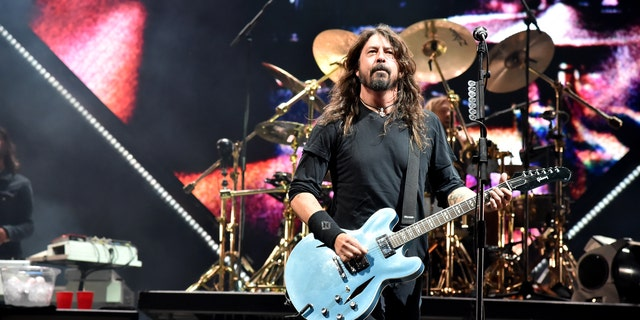Foo Fighters frontman Dave Grohl discussed his mom's career as a teacher.