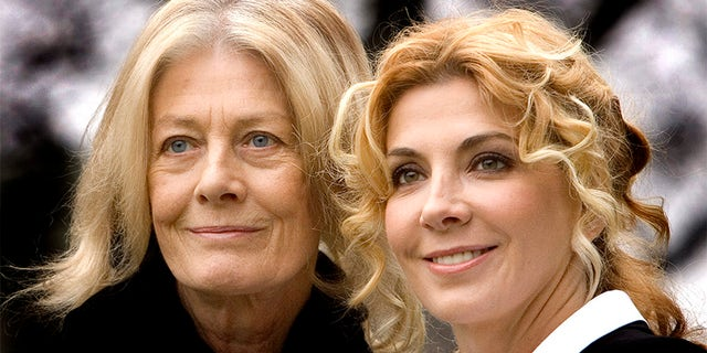 "British actresses Vanessa Redgrave and her daughter Natasha Richardson pose during a photocall of movie ""The White Countess"" directed by US director James IvorY."