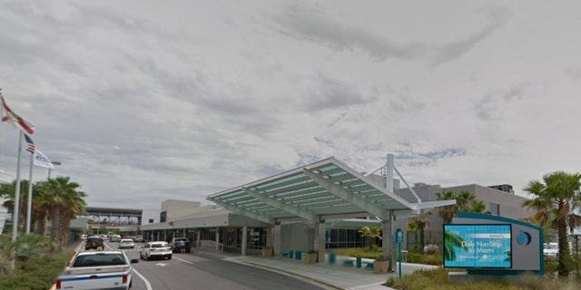 Man drives through Pensacola airport fence, does doughnuts