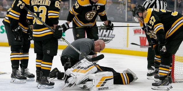 Boston Bruins Goalie Tuukka Rask Leaves Nhl Game With Concussion