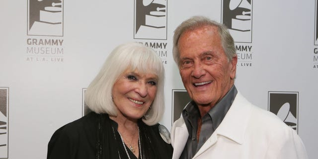 Pat Boone's daughter Debby says she's not 'squeaky-clean' like dad, details connection with George Clooney Shirley-Pat-Boone-2015-Getty