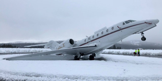 Strong snow has caused a business jet to jettison a wheel at Truky Tahou airport in California Nevada border