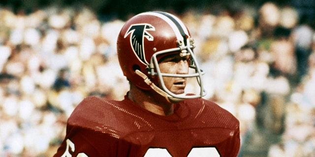 Atlanta Falcons linebacker Tommy Nobis during a 1973 game at Atlanta Fulton County Stadium in Atlanta, Georgia.