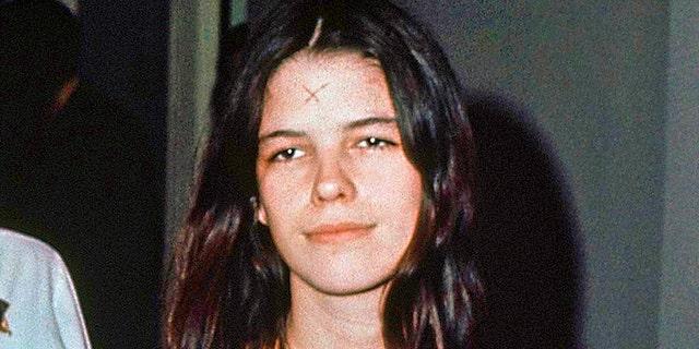 Leslie Van Houten is seen in a Los Angeles lockup, March 29, 1971. (Associated Press)