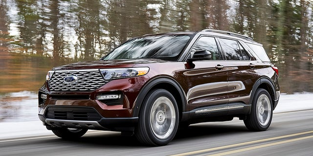 2020 ford explorer revealed with familiar style and lots of new tech fox news. Black Bedroom Furniture Sets. Home Design Ideas