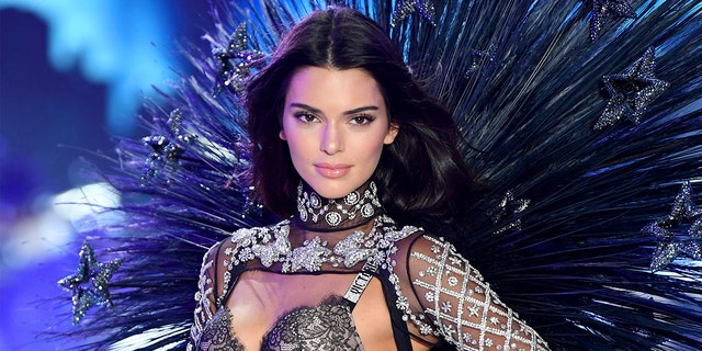 Kendall Jenner said she didn t care for bananas for the simple reason that  her 08c3f6bf984